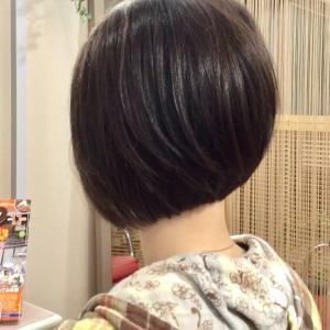 日本人に1番おおい、うねるくせ毛!