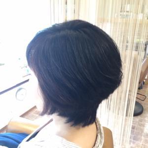髪の広がりを何とかしたい方へ!!
