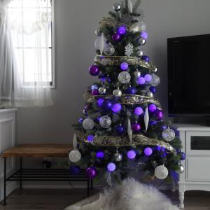 LOWYAのおしゃれな大人シックのクリスマスツリー☆紫と白の飾りにうっとり