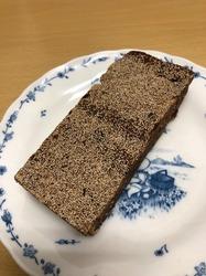 パン家のどん助 東新宿 黒糖パン