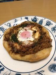 パン家のどん助 東新宿 広島焼きパン