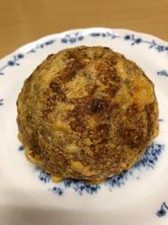 パン家のどん助 東新宿 スモークチーズとカシューナッツ