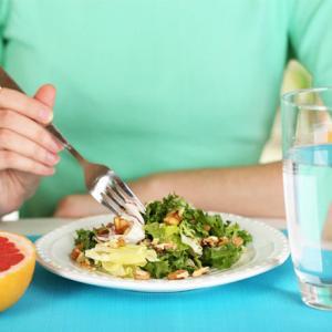 「食前に水を飲むこと」で痩せるのか検証結果は