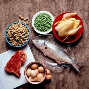 もっと肉&魚を摂るべき!「タンパク質」の摂取にまつわる5つの勘違い