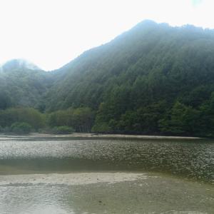 熊に遭遇するほどの山奥の湖でSUP&カヤック