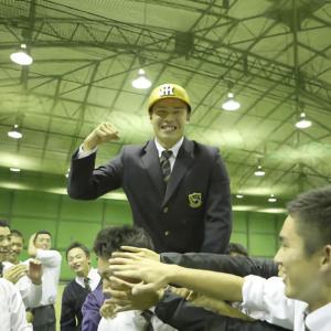 阪神4位に二刀流で沸かせた遠藤成、遊撃一本で勝負