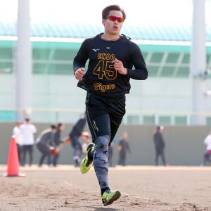 阪神ドラフト4位遠藤成が西純矢ちぎった「最初は緊張したけど、走ってからは気持ちよく走ることができました」