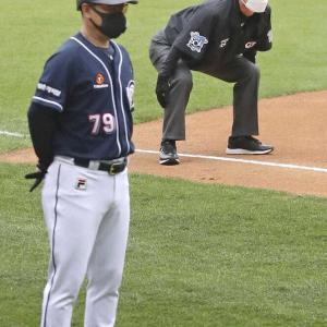 プロ野球 審判、ボールボーイのマスク着用義務化へ 25日12球団代表者会議で「ガイドライン」完成目指す