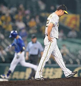 阪神 まさかの逆転負けで連勝4でストップ 9回に守護神・藤川球児が3失点で早くも今季2敗目