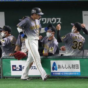阪神 途中交代の梅野は右脇腹の張り 都内の病院で受診