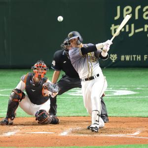 【阪神】負ければ15年連続V逸の一戦で菅野に土 7回に原口文仁が決勝適時打