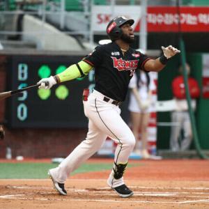 韓国2冠王、ロハスJr.日米争奪戦に発展へ 米メディア「3つの日本球団からも興味」