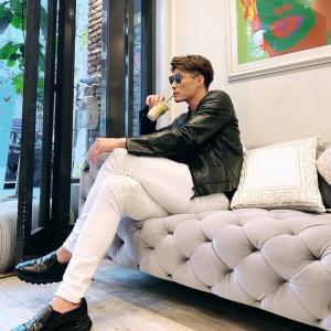 阪神・糸井嘉男がモデルに変身? 革ジャン白パン姿にファン歓喜「ハリウッドスター」