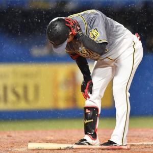 阪神・中野 頭部死球もフル出場「自分としても大事な戦い 今のところは全然、大丈夫かなと思います」