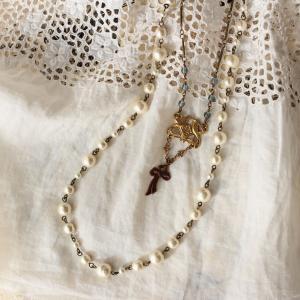 アンティーク・ナチュラルスタイルに似合う、小鳥の真鍮ネックレス
