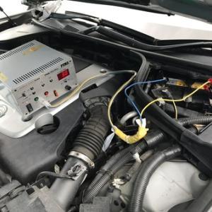 メンテナンス・バッテリー充電作業中