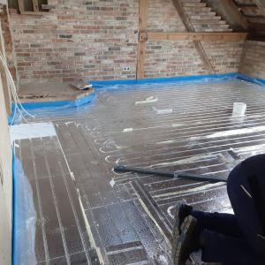床暖房の設置完了!