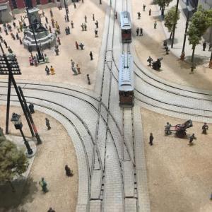 路面電車の線路とタイル