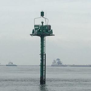東京湾の中に立ってたもの。