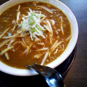 9/21(月) ラーメンの寳龍今江店で味噌カレーラーメンを食う。