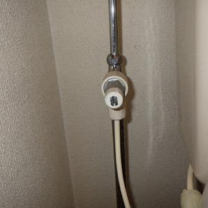 トイレの止水栓に付けられた分岐金具の取り外し・・・千葉市