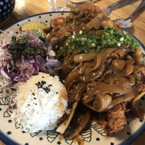 韓国18日目 ホンデでご飯、美女と野獣カフェ 漢江公園へ