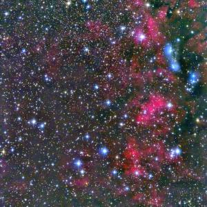はくちょう座の赤と青の星雲 NGC6914