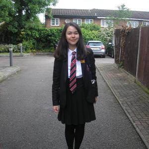 娘のプロムドレス!!イギリスの学校もプロムがあるんです。。。