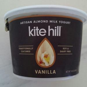 ホールフーズで買ったアーモンドミルクヨーグルト~kite hill(カイトヒル)