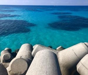 サンゴの関係で場所によって全然色が違いますが、 波照間はまた、見たことのない色で感動しました。