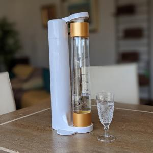 空腹を忘れる炭酸水ダイエット|電源不要の炭酸水メーカー「e-soda drink」をリモートワークのお供に