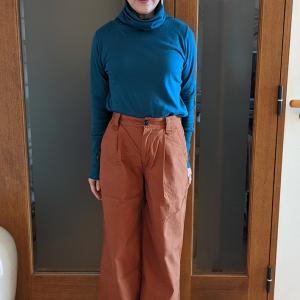 ドゥクラッセのおすすめボトムス|テラコッタ色の綿100%ワイドパンツで春を先取り