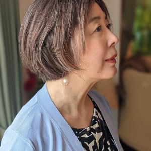 女性の薄毛は治る? 白髪染めで広がった分け目のハゲを元に復活させた方法とは
