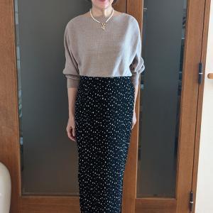 イロチ買い&大人買いしたい高レビューアイテム|細見えと足長見えが叶うタイトなドット柄スカート