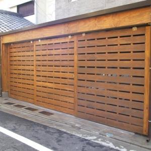木製ガレージ