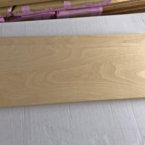 積層合板の飾り棚