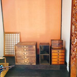 古民家らしい家具が入りました