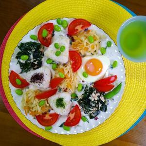 【Miho's和ごはん】玄米入りご飯のおにぎりと乾物のオカズサラダもり