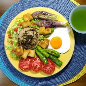 【M's和ごはん】魚の削り粉と塩昆布の炊き込みご飯と焼きナス焼き高野豆腐
