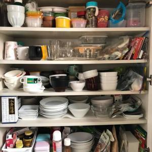 使いこなせず困りがち!キッチンBeforeAfter実例 食器棚・パントリー・床下収納編