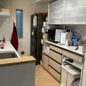 食材や消耗品が管理しづらいキッチン背面収納を改善!【整理収納コンサル事例】