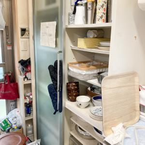 大容量なのにモノが溢れるキッチン背面収納を使いやすく見直し!【整理収納コンサル事例】