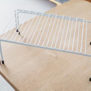 実はサイズが絶妙!?キッチンで活躍するカインズのワイヤー伸縮棚検証レポ