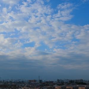 隙間雲(高積雲)