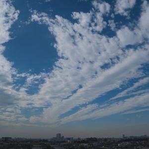 放射状雲(高積雲)