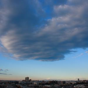 吊るし雲(レンズ状高積雲)
