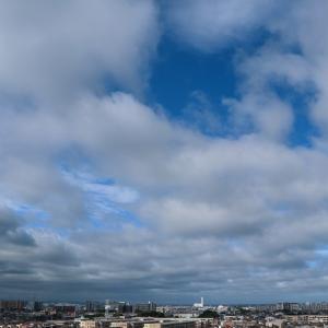 隙間雲(層積雲)