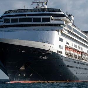 豪華客船もコロナで悲惨放浪船<武漢ウイルス・武漢肺炎>寄港拒否のクルーズ船、4人死亡。コロナ感染2人確認―パナマ沖 ➡ パナマ政府、感染確認のクルーズ船に運河通航を許可