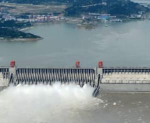 三峡ダム崩壊寸前か 壊滅的な洪水が宜昌の下流域を襲う。大雨で中国各地を洪水が襲う恐れも懸念