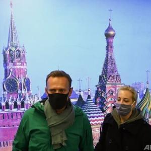 ドイツから帰国したロシアの野党指導者アレクセイ・ナワリヌイ氏、モスクワの空港で拘束 / 野党指導者の拘束を巡る欧米の批判にロシア外務省がコメント